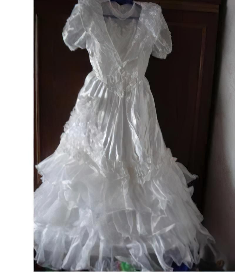 що робити з весільним платтям