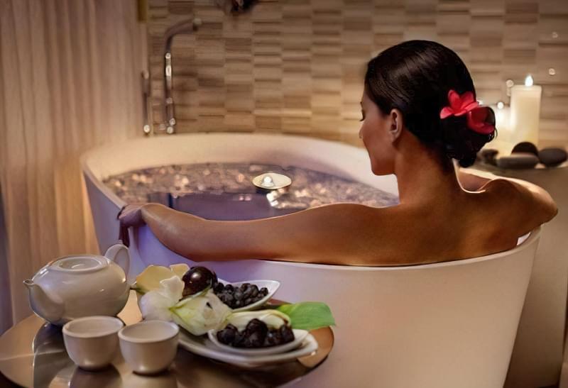 Як приймати вдома омолоджуючі ванни