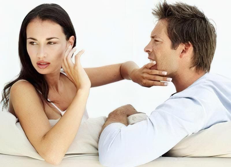 чоловік ображає і принижує що робити