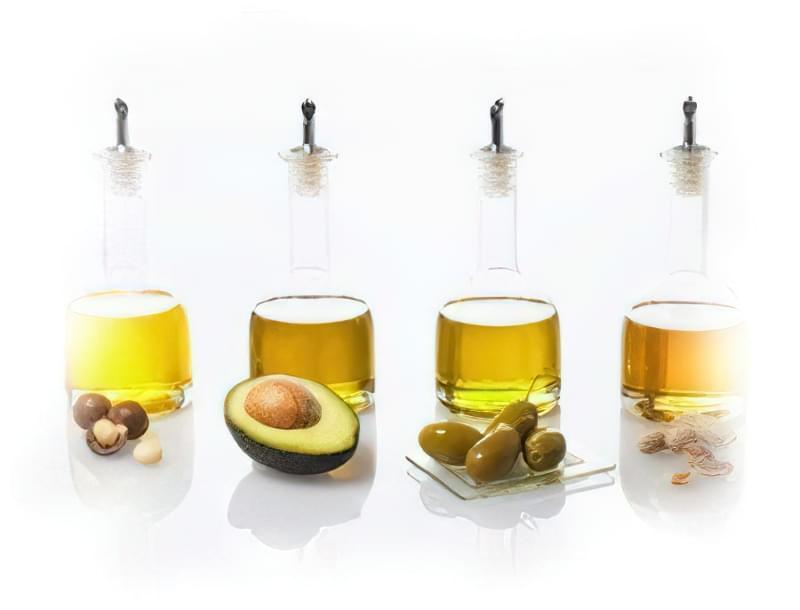 як правильно вмиватися оливковою олією