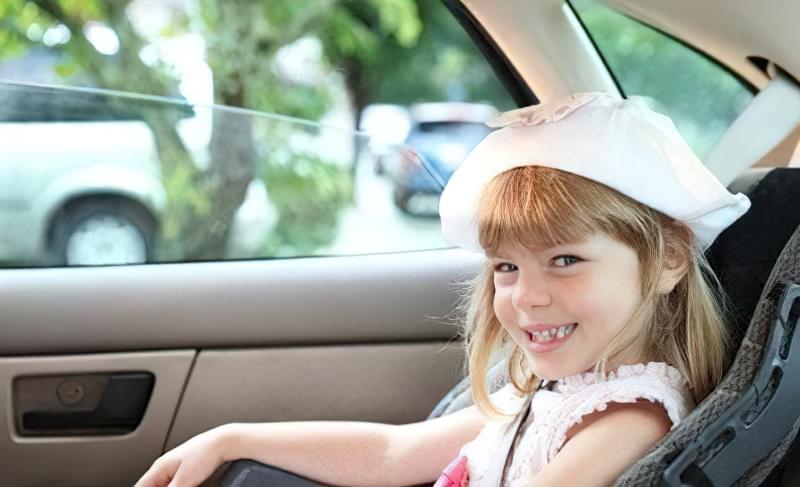 чим розважити дитину в дорозі