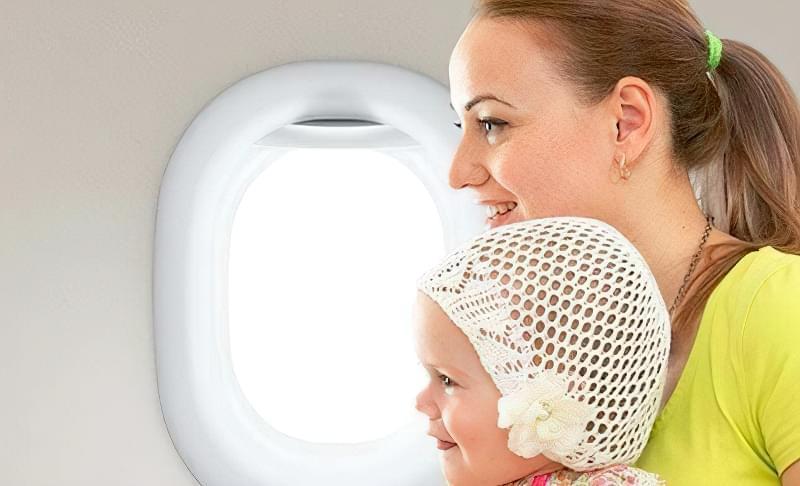 діти до року в літаку