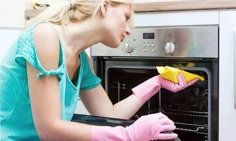 як відмити духовку від пригорілого жиру