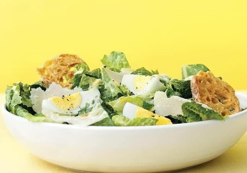 Як нарізати яйця для столу красиво і апетитно? 1