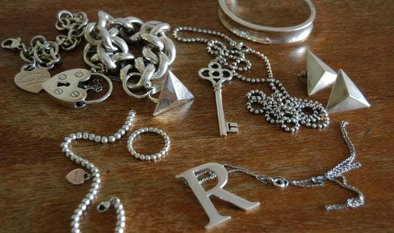 чим можна відбілити срібло