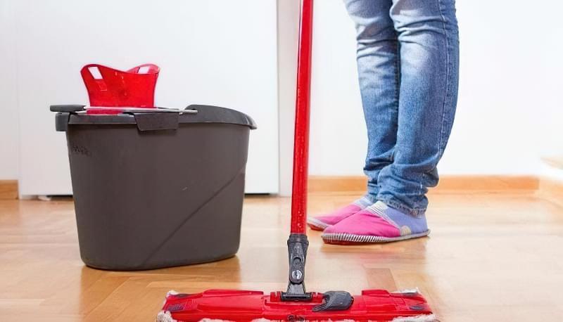 як правильно мити підлогу в квартирі