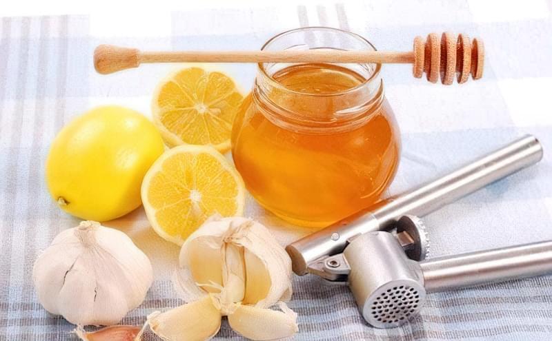 народні засоби лікування медом