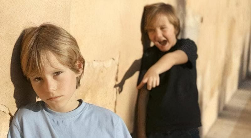 Удома варто програти з дитиною варіанти відповідей на приставання задир