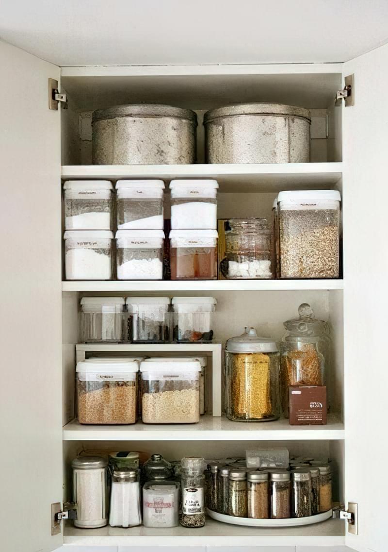 Органайзери і системи зберігання допоможуть організувати кухонне приладдя