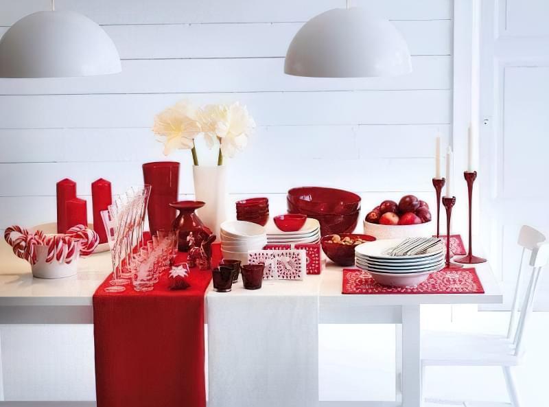 В інтер'єрі можна зробити упор на традиційні новорічні та різдвяні забарвлення