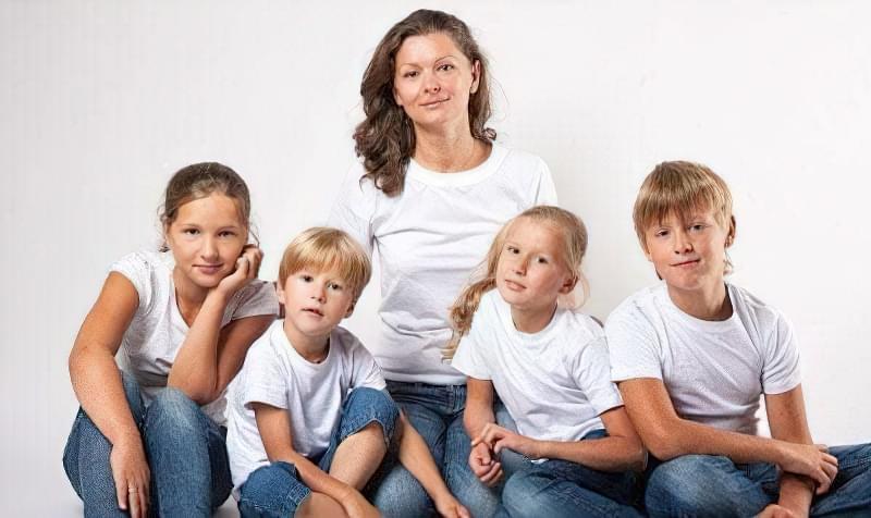 Бути багатодітною мамою - важка повсякденна праця