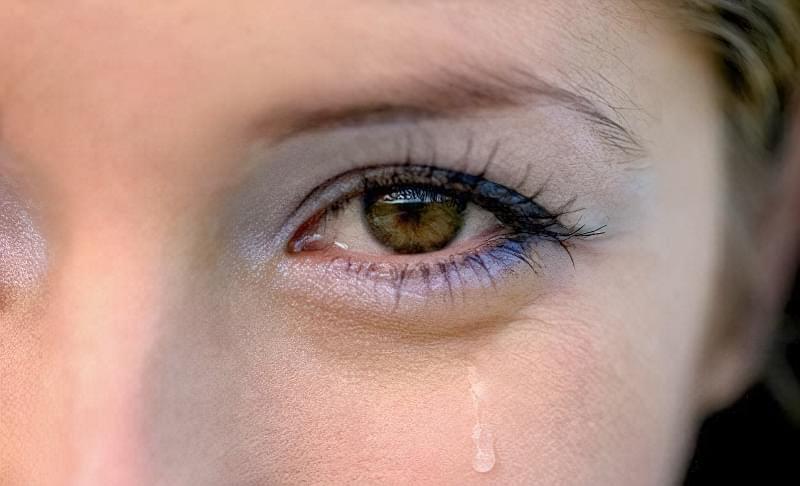 CHomu mozhut postijno slozytysya ochi