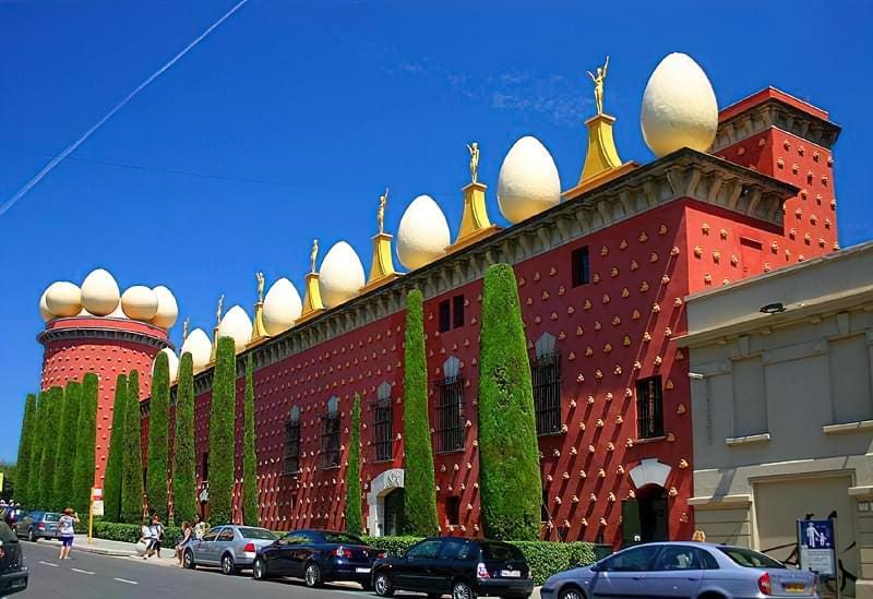 muzej Salvadora Dali v Figerasi 1