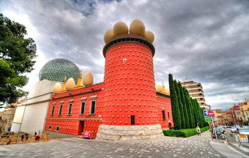 muzej Salvadora Dali v Figerasi