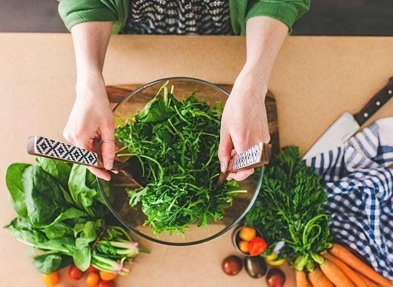 Diyetychni salaty dlya shudnennya