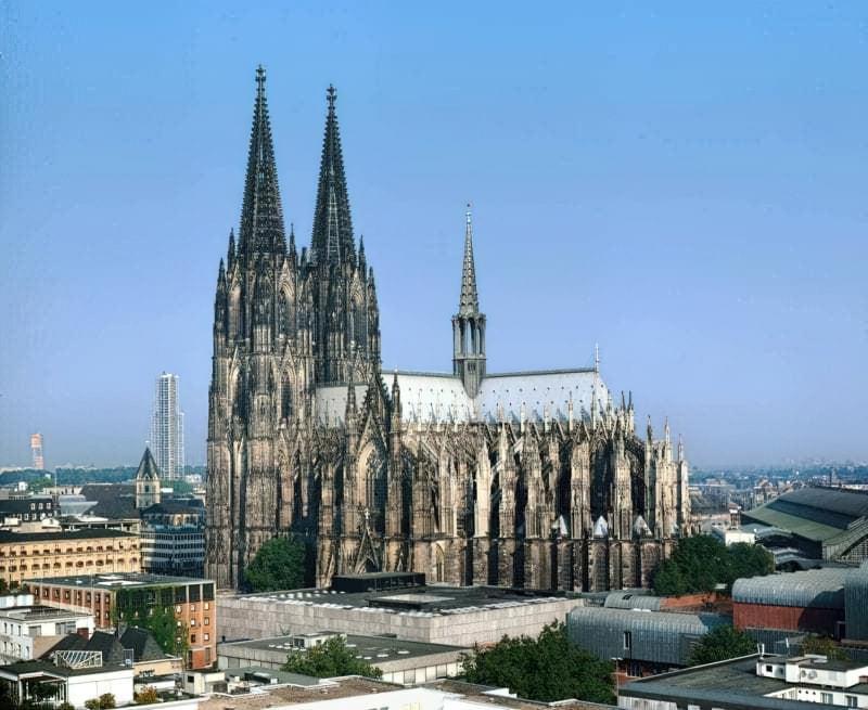 Прекрасні готичні храми Європи 5