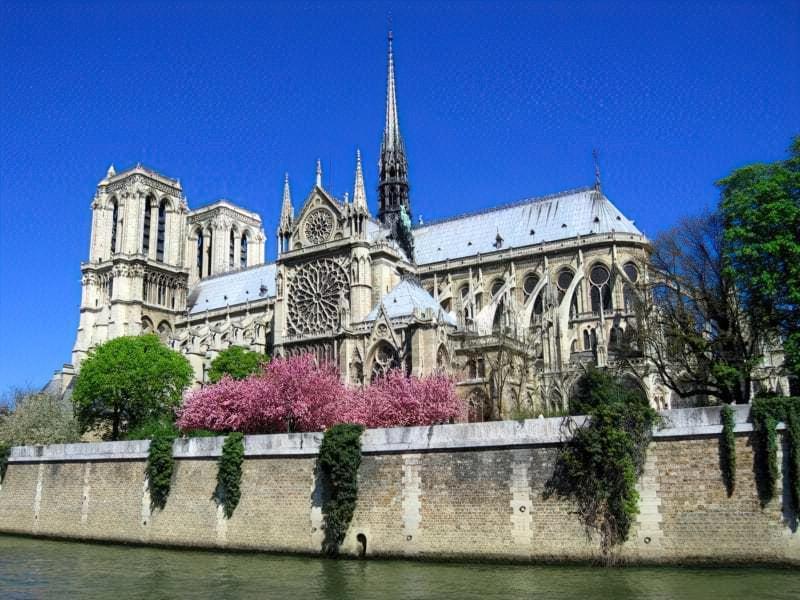 Прекрасні готичні храми Європи 1