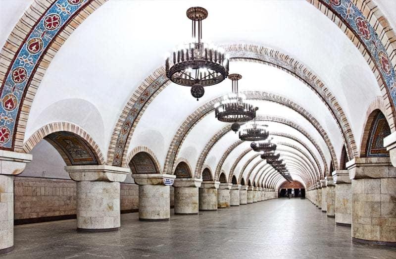 Stantsiyi metro yak tvory mystetstva 8