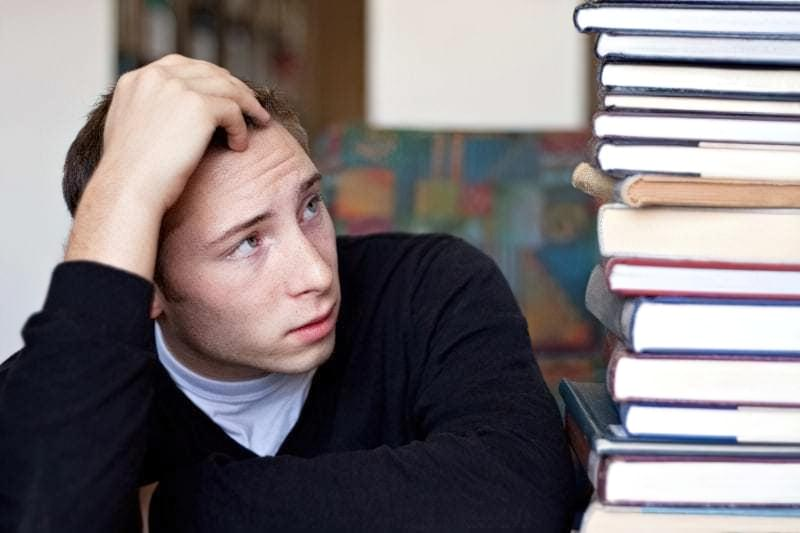 Підліток не хоче робити уроки