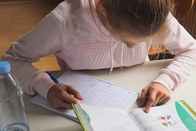 Як допомогти дитині за літо підтягнути знання з шкільних предметів 2