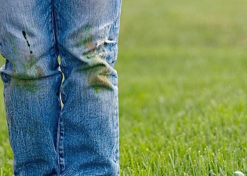 Як швидко відіпрати траву з джинсів: лайфхаки 1