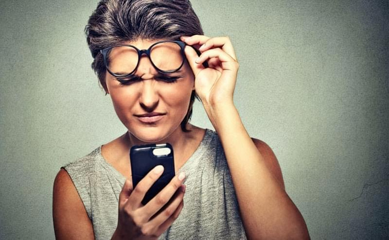 Не соромтеся коригувати зір з допомогу контактних лінз або очок
