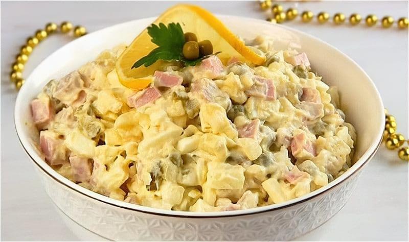 Salat Olivye z kovbasoyu
