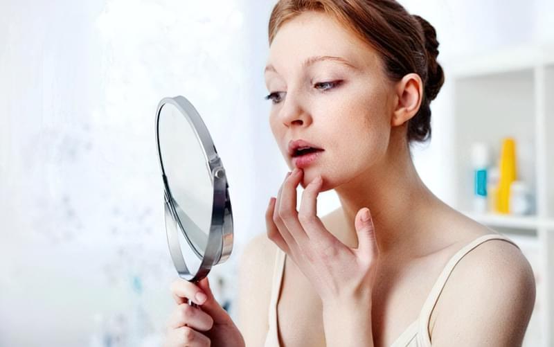 Як повернути губам яскравість без використання помади? 1