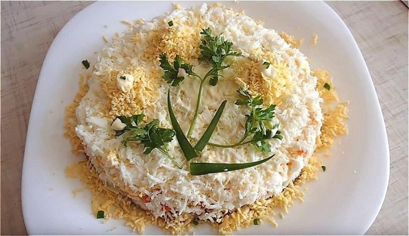 Salat Mimoza z rybnymy konservamy 20