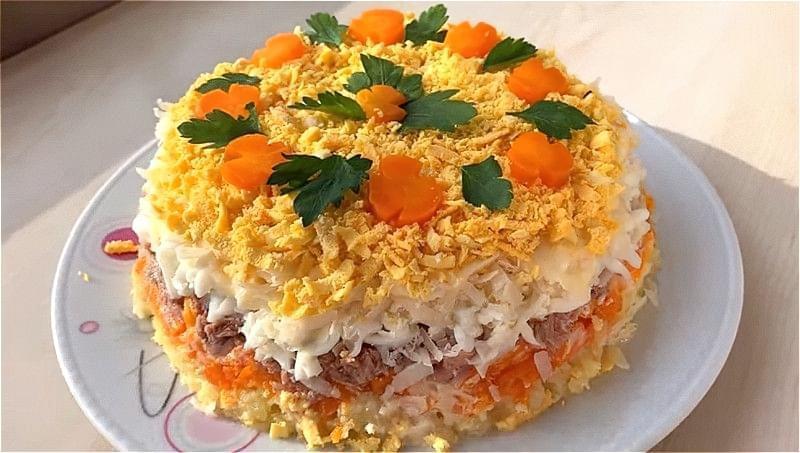 Salat Mimoza z rybnymy konservamy 6