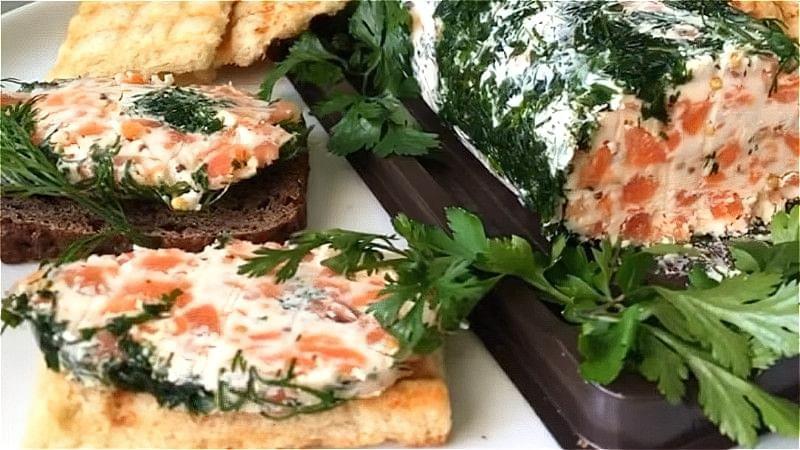 олія з червоною рибою на бутерброди