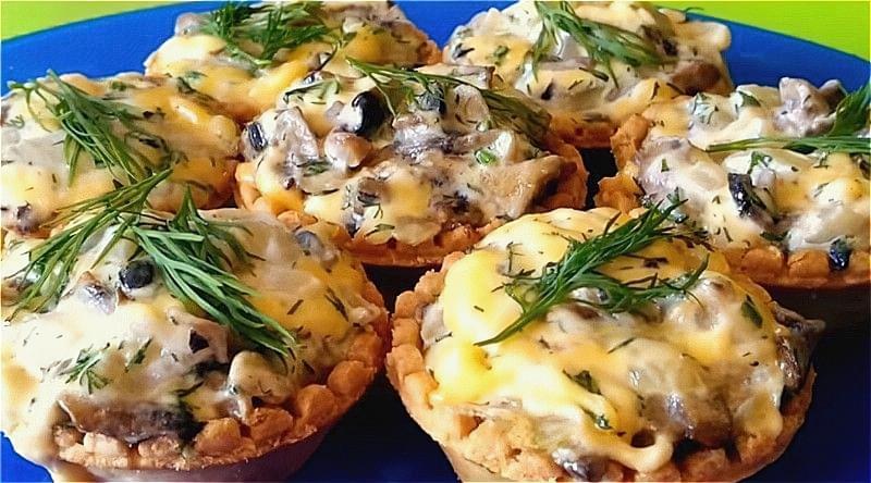 Закуски на Новий Рік – смачні і прості закуски на святковий стіл 2