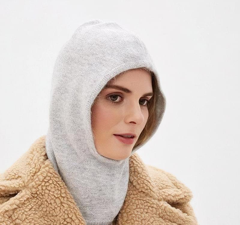 modna zhinocha balaklava